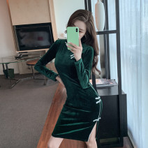 cheongsam Winter 2020 S,M,L green Long sleeves long cheongsam grace High slit daily Semicircle lapel Solid color 18-25 years old Piping New autumn and winter Other / other 81% (inclusive) - 90% (inclusive)