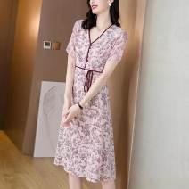 Dress Spring 2021 Picture color M L XL 2XL 3XL Mid length dress singleton  Short sleeve commute V-neck other other other Others 25-29 years old Snow velvet Korean version YJR-8397 More than 95% silk Mulberry silk 100% Pure e-commerce (online only)