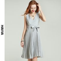 Dress Spring 2021 grey S M L XL Middle-skirt singleton  Sleeveless street V-neck middle-waisted Solid color zipper Pleated skirt other Others 30-34 years old HAVVA Q5534 51% (inclusive) - 70% (inclusive) polyester fiber Same model in shopping mall (sold online and offline) Europe and America
