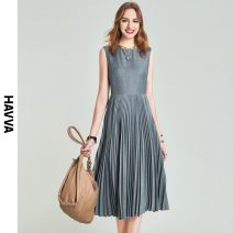 Dress Spring 2021 grey S M L XL Mid length dress singleton  Sleeveless street Crew neck middle-waisted zipper Pleated skirt routine 30-34 years old HAVVA Q7280 71% (inclusive) - 80% (inclusive) polyester fiber Polyester 79.9% viscose 20.1% Same model in shopping mall (sold online and offline)