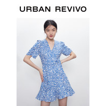 Dress Summer 2020 Blue print green print white print green print 1 XS S M L XL XXL Middle-skirt Short sleeve V-neck middle-waisted other 25-29 years old UR WH14R7BN2002 More than 95% cotton Cotton 100% Same model in shopping mall (sold online and offline)