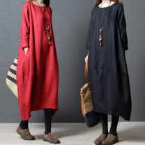 Dress Autumn of 2019 Red, green, black M,L,XL,2XL Mid length dress singleton  Long sleeves commute Crew neck Loose waist Solid color Socket A-line skirt routine Others 35-39 years old Type A Other / other Retro pocket 51% (inclusive) - 70% (inclusive) hemp