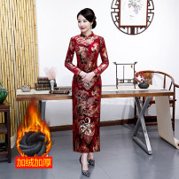 cheongsam Autumn 2020 M,L,XL,2XL,3XL,4XL [Xiangyun] red, [Gardenia] red, [Gardenia] green, [Jiarong long sleeve] No.2 red, [Jiarong long sleeve] No.2 green, [Jiarong long sleeve] No.2 blue Long sleeves long cheongsam grace Low slit daily Oblique lapel Decor Over 35 years old Piping Other / other
