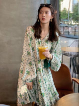Women's large Spring 2021 green S M L XL 2XL 3XL Dress singleton  commute easy moderate Socket Long sleeves Broken flowers Retro V-neck polyester Three dimensional cutting bishop sleeve sn621416914050650415210 SANA 18-24 years old Resin fixation 81% (inclusive) - 90% (inclusive) Middle-skirt other