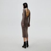 Dress Autumn 2020 Khaki Average size Mid length dress Long sleeves V-neck Solid color Socket Pencil skirt routine 25-29 years old showroom plus Open back strap 31% (inclusive) - 50% (inclusive) acrylic fibres Polyacrylonitrile fiber (acrylic fiber) 45% wool 30% polyamide fiber (nylon fiber) 25%