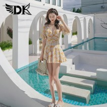 one piece  DK M,L,XL,XXL White leaf with yellow background With chest pad without steel support QH21133H female Middle sleeve Casual swimsuit