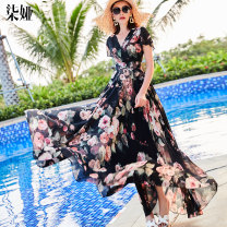 Dress Summer of 2019 Black flower S M L XL 2XL 3XL longuette singleton  Short sleeve commute V-neck middle-waisted Decor Socket Big swing Flying sleeve Others 40-49 years old Type X Qiya Simplicity Pleated printing More than 95% Chiffon polyester fiber Polyester 100% Pure e-commerce (online only)