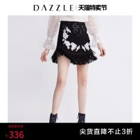 skirt Summer of 2018 XS S M black Short skirt Retro Natural waist Cake skirt character Type A 30-34 years old 91% (inclusive) - 95% (inclusive) Dazzle / geoelement cotton rivet Cotton 94% polyamide 6% Same model in shopping mall (sold online and offline)