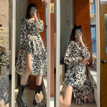 Dress Spring 2021 XS S M L Mid length dress singleton  Long sleeves commute square neck High waist Dot Socket A-line skirt routine Others 18-24 years old Type A Ling Bai Yi Korean version B.17 More than 95% Chiffon other Other 100% Pure e-commerce (online only)