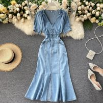 Dress Summer 2020 Blue, pantyhose S,M,L Mid length dress singleton  Short sleeve commute V-neck High waist Solid color Socket other routine Others 18-24 years old Type A Korean version Button 71% (inclusive) - 80% (inclusive) Denim cotton