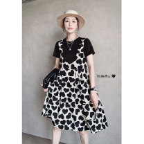 Dress Summer 2021 black S M L Mid length dress Fake two pieces Short sleeve street Crew neck High waist other Socket other routine Others 30-34 years old Type A Gu fangya FE202x40271p9 81% (inclusive) - 90% (inclusive) polyester fiber Polyester 90% other 10% Pure e-commerce (online only)