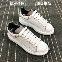 Low top shoes 35,36,37,38,39,40,41,42,43,44 Other / other Cattle hide (except cattle suede) Frenulum Round head Shoe of sponge cake Sheepskin Europe and America daily Solid color Internal elevation spring and autumn TPU wear-resisting Adhesive shoes Youth (18-40 years old) without wearing make-up