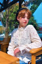shirt Pearl bottomed shirt Korean version shipped back + quality inspection 12 days S,M,L Summer 2021 other 96% and above Long sleeves Original design Regular Single row multi button pagoda sleeve Broken flowers 18-24 years old Self cultivation Other / other