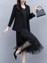 Women's large Autumn 2020 The color of the picture is [slightly fat suit shows thin for women], [fat sister's big size suit shows meat / belly cover], [slightly fat suit shows thin for women / big size suit for women], [suit Hepburn two piece suit / foreign style / leisure Dress Two piece set commute