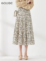skirt Spring 2021 One size fits all (85-130kg) Black, beige longuette commute High waist Pleated skirt Broken flowers Type A 18-24 years old More than 95% Chiffon Kooge polyester fiber Fold, zipper, print Korean version