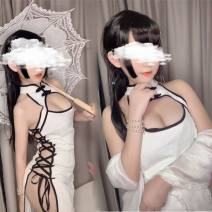 Dress Winter 2016 I85-c-white, u78-r-black Average size T38621