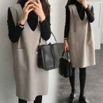 Dress Winter of 2019 M,L,XL,2XL,3XL,4XL Two piece set Long sleeves commute V-neck Loose waist Solid color Socket other other Others 25-29 years old Type H Korean version pocket 51% (inclusive) - 70% (inclusive) Wool polyester fiber