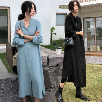 Women's large Spring of 2019 Light blue, black L [100-120 Jin recommended], XL [120-140 Jin recommended], 2XL [140-160 Jin recommended], 3XL [160-180 Jin recommended], 4XL [180-200 Jin recommended] Dress singleton  commute easy Long sleeves Korean version Polo collar Medium length other routine