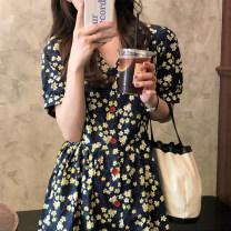 Dress Summer 2021 Floral skirt S,M,L,XL Short skirt singleton  Short sleeve commute V-neck High waist Broken flowers Socket A-line skirt puff sleeve 18-24 years old Type A Other / other Korean version