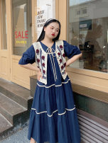 Women's large Spring 2021 Floral Vest + Navy skirt (in stock), floral Vest + Navy skirt (pre-sale) Large XL, large XXL, large XXL Dress Two piece set Sweet easy thin Socket Short sleeve Solid color V-neck puff sleeve 18-24 years old Gouhua hollow Medium length other Mori