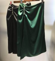 skirt Summer 2021 S,M,L,XL Black, green Middle-skirt street High waist Solid color 25-29 years old 71% (inclusive) - 80% (inclusive) an autumn outing Cellulose acetate Nail bead, fold Europe and America