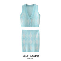 Fashion suit Summer 2021 Average size Blue vest, blue skirt 18-25 years old 51% (inclusive) - 70% (inclusive)