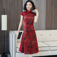 cheongsam Spring 2020 M L XL XXL XXXL 4XL Red and green Short sleeve Short cheongsam Retro High slit daily double-breasted  Decor Over 35 years old Piping Yijiahong polyester fiber Polyester 100% Pure e-commerce (online only)