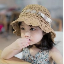 Hat Average size Blue bow white bow 3 small chrysanthemum 3 small brown flower milky Brown 1-2 years old (Cap circumference 50cm) 3-6 years old (Cap circumference 52cm) female Fisherman hat dome Travel Other / other Big eaves other