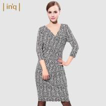Dress Spring of 2019 160/84A 165/88A 170/92A 175/96A Mid length dress singleton  three quarter sleeve commute middle-waisted Decor 35-39 years old lady More than 95% polyester fiber Polyester 95.5% polyurethane elastic fiber (spandex) 4.5% Same model in shopping mall (sold online and offline)