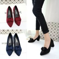Low top shoes 35,36,39,34,37,40,38 Other / other Black, blue, red Sharp point PU Thick heel High heel (5-8cm) Midmouth PU Autumn 2016 Trochanter Adhesive shoes Solid color rubber T-strap  PU Frosting