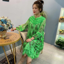 Dress Spring 2021 green Average size Mid length dress singleton  Long sleeves commute V-neck Loose waist Decor Socket other routine Others 40-49 years old Type H Forests of Byzantium Retro Embroidery, pocket, stitching, tie dyeing, making old 91% (inclusive) - 95% (inclusive) Crepe de Chine silk