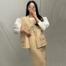 Fashion suit Winter 2020 Average size Khaki Skirt, green skirt, khaki vest, green vest, white shirt 18-25 years old polyester fiber