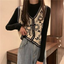 Fashion suit Autumn 2020 Average size Black base, white base, apricot embroidered vest, black embroidered vest 18-25 years old 88097H 71% (inclusive) - 80% (inclusive) Viscose