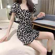 Dress Spring 2020 Daisy dress S, M Short skirt singleton  Short sleeve commute square neck middle-waisted Broken flowers Socket A-line skirt routine Others 18-24 years old Type A Ezrin Korean version P8rXn 31% (inclusive) - 50% (inclusive) polyester fiber