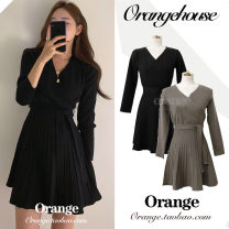Dress Winter of 2019 Dark green, black Average size Short skirt singleton  Long sleeves commute V-neck High waist Solid color Pleated skirt routine Others 18-24 years old Type A Other / other Korean version Bandage 30% and below other