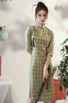 cheongsam Autumn 2020 S M L XL XXL Green bamboo other long cheongsam Retro Low slit daily Oblique lapel other 18-25 years old Piping HLQ20236 Lotus love other Other 100% Pure e-commerce (online only) 96% and above