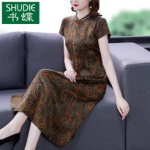 Dress Summer 2021 Brown L XL 2XL 3XL 4XL Mid length dress singleton  Short sleeve commute stand collar middle-waisted Decor zipper A-line skirt routine Others 40-49 years old Type A Book Butterfly ethnic style Three dimensional decorative button printing More than 95% other other Other 100%