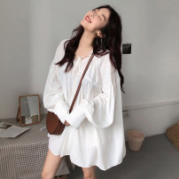 shirt white One size fits all, XXXs pre-sale Summer of 2018 polyester fiber 51% (inclusive) - 70% (inclusive) Long sleeves commute Medium length Socket Bat sleeve Solid color 18-24 years old Straight cylinder Other / other Korean version