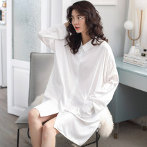 Nightdress Yierjour / Yiyue Average size Simplicity Long sleeves pajamas Middle-skirt autumn Solid color youth Small lapel Polyester (polyester) More than 95% Satin  Autumn of 2019 Polyester 95% polyurethane elastic fiber (spandex) 5% Pure e-commerce (online only)