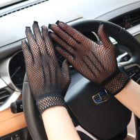 glove Lace female Average size Finger gloves Middle aged: 40-59 years old, young: 20-39 years old, young friend