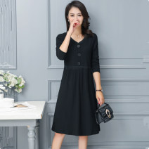Women's large Autumn of 2018 black XL 2XL 3XL 4XL 5XL 6XL Dress singleton  commute easy Socket Solid color Simplicity V-neck Medium length Three dimensional cutting routine Qianlitong 30-34 years old Lace stitching 51% (inclusive) - 70% (inclusive) Medium length other Three buttons