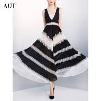 Dress Summer 2021 Black S M L XL longuette Two piece set Sleeveless street V-neck middle-waisted other Socket Pleated skirt other Others 25-29 years old Type A AUI Open back stitched zipper lace 21X018039 More than 95% other polyester fiber Polyester 100% Pure e-commerce (online only)