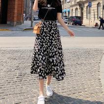 skirt Summer 2021 S M L black Mid length dress Versatile High waist Cake skirt Broken flowers Type A 18-24 years old Simplified Daisy dress 91% (inclusive) - 95% (inclusive) other Xi Xuan polyester fiber Splicing Polyester fiber 94% polyurethane elastic fiber (spandex) 6%