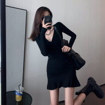 Women's large Winter 2020 black S M L commute Self cultivation Long sleeves Solid color Korean version V-neck Three dimensional cutting routine Qingchuan 18-24 years old Short skirt Other 100% Pure e-commerce (online only) Ruffle Skirt