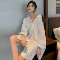 Outdoor sports windbreaker female 201-500 yuan home daily Qz3001 nightdress M,L,XL cotton