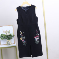 Dress Winter 2020 black S,M,L Mid length dress singleton  Sleeveless street Half open collar middle-waisted Big flower other One pace skirt routine 25-29 years old Xking / Exxon 51% (inclusive) - 70% (inclusive) Wool wool