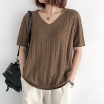 Wool knitwear Summer 2021 Average size Gray, yellow, green, blue, black, white, grass green, coffee, pink, khaki, Xiuhong Short sleeve singleton  Socket cotton 81% (inclusive) - 90% (inclusive) Regular routine commute easy V-neck routine Socket literature 25-29 years old