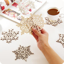 Coaster circular Snowflake 1 snowflake 2 snowflake 3 snowflake 4 snowflake 5 snowflake 6 wood Self made pictures Yousiju Wu