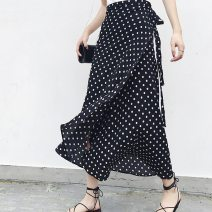skirt Spring of 2018 Average size White, black longuette Dot 18-24 years old 81% (inclusive) - 90% (inclusive) Chiffon printing