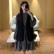 Dress Spring 2021 Decor skirt , Black vest S,M,L,XL,XXL,XXXL,XXXXL Short skirt Long sleeves commute Crew neck middle-waisted Decor Socket 18-24 years old Other / other Korean version 51% (inclusive) - 70% (inclusive)